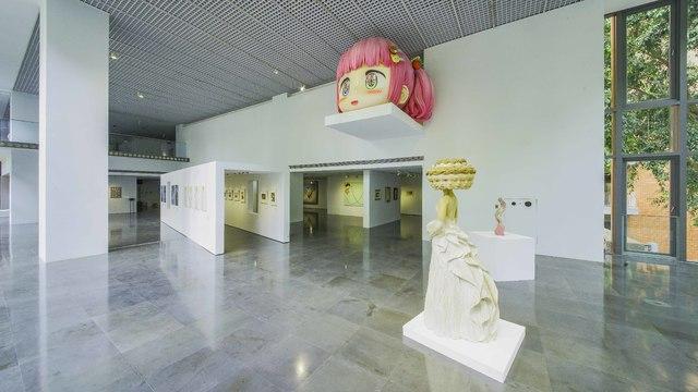 展場中非常顯眼的大型裝置作品是由藝術家Mr.打造。(北師美術館提供)