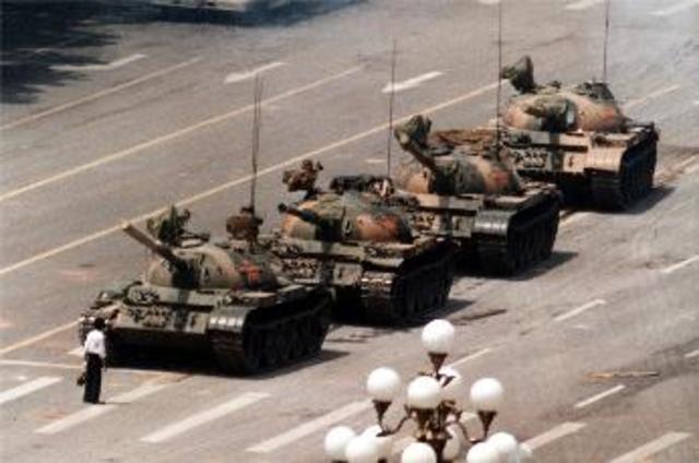 六四事件的坦克人。/翻攝自維基百科