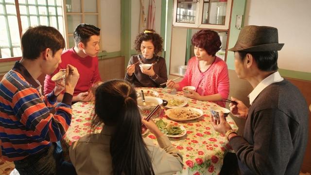 《俗女》收視破1.65  謝盈萱向父親獻唱:對你愛愛愛不完 |
