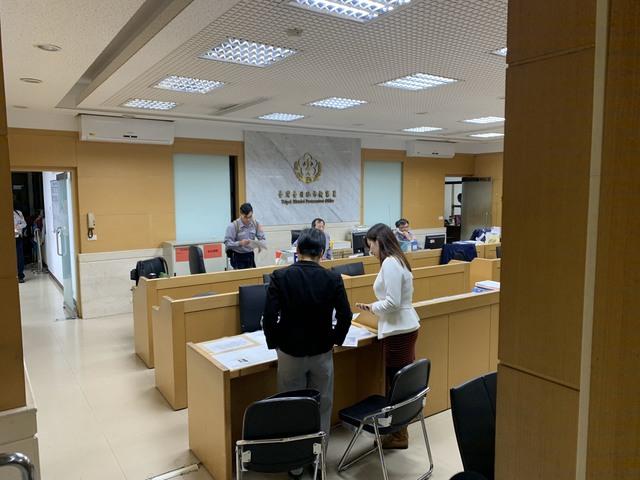韓國瑜競選辦公室發言人何庭歡赴北檢提告(韓競辦提供)