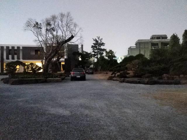 雲林縣立委候選人張嘉郡的青埔豪宅被爆是違建農舍。
