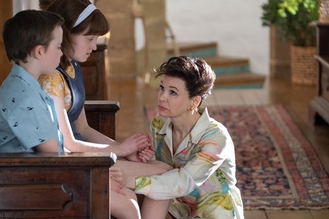 《茱蒂》芮妮齊薇格獲得奧斯卡最佳女主角獎