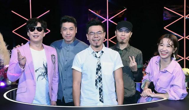 魏如萱 LULU「歌迷兼閨蜜」槍擊潑辣玩瘋《上奅台灣歌》 |