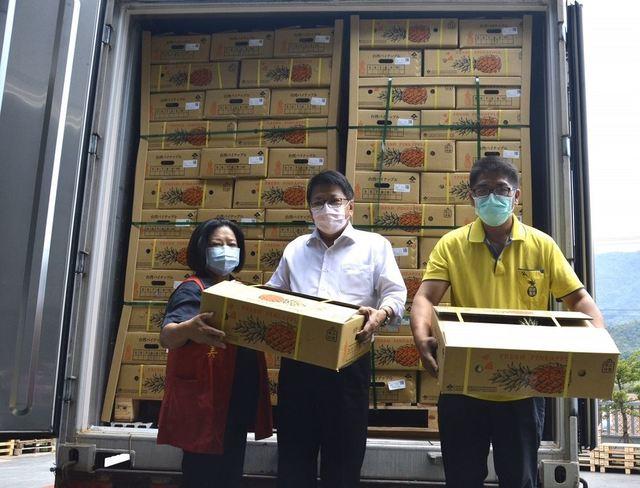 屏東鳳梨不怕疫情 進軍日本最大超市通路 | (屏東縣政府提供)
