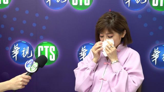 王彩樺想到吳朋奉的無私建言及相處點滴,讓她淚流滿面。