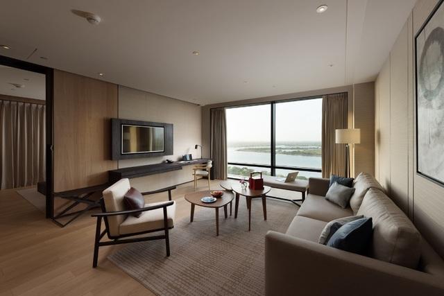 衛福部長陳時中防疫台南行,入住台南大員皇冠假日酒店的景觀套房。