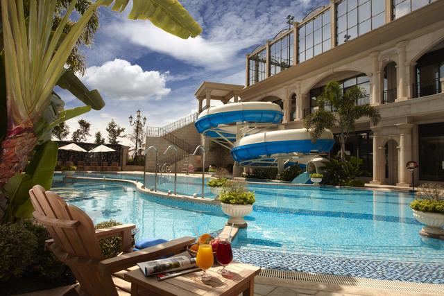 義大皇家酒店讓您不用出國,也能享受玩美假期。