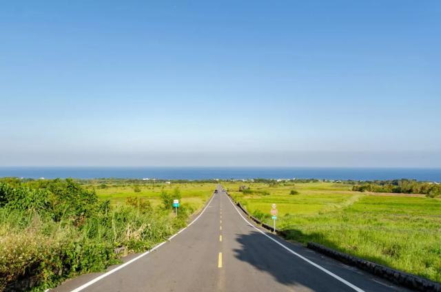 台東縣加走灣KAKACAWAN自行車道。