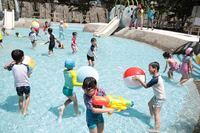 全台十大免費玩水景點之一的暖暖親水公園,將在18日正式開放。(基隆市政府提供)