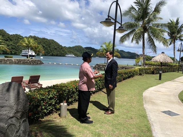 帛琉總統雷蒙吉紹與艾斯培(翻攝艾斯培推特)