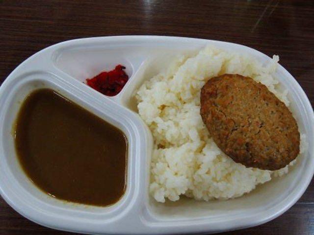 日本富士山白雲莊的早餐、晚餐。(翻攝PTT)