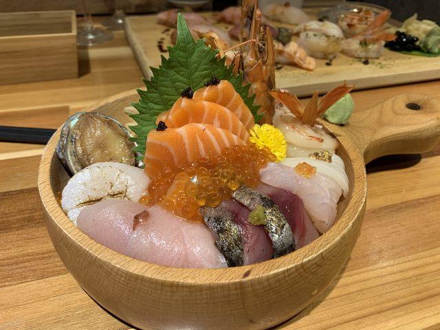 知名店家「合掌村」的海鮮丼