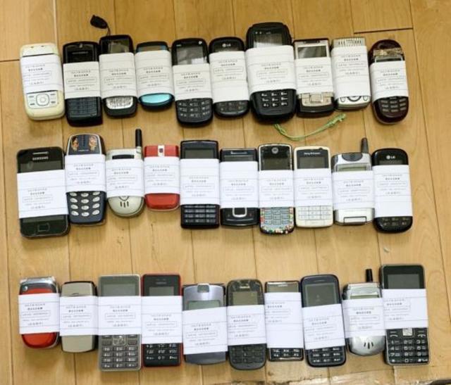 行政院環保署訂定每年10月為「手機回收月」,鼓勵民眾踴躍回收廢手機。(台南市環保局提供)