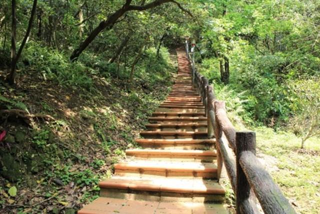 鶯歌石步道。