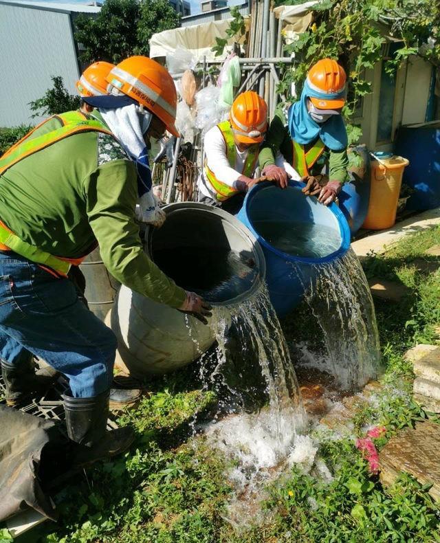 環保局進行環境消毒作業。(環保署提供)