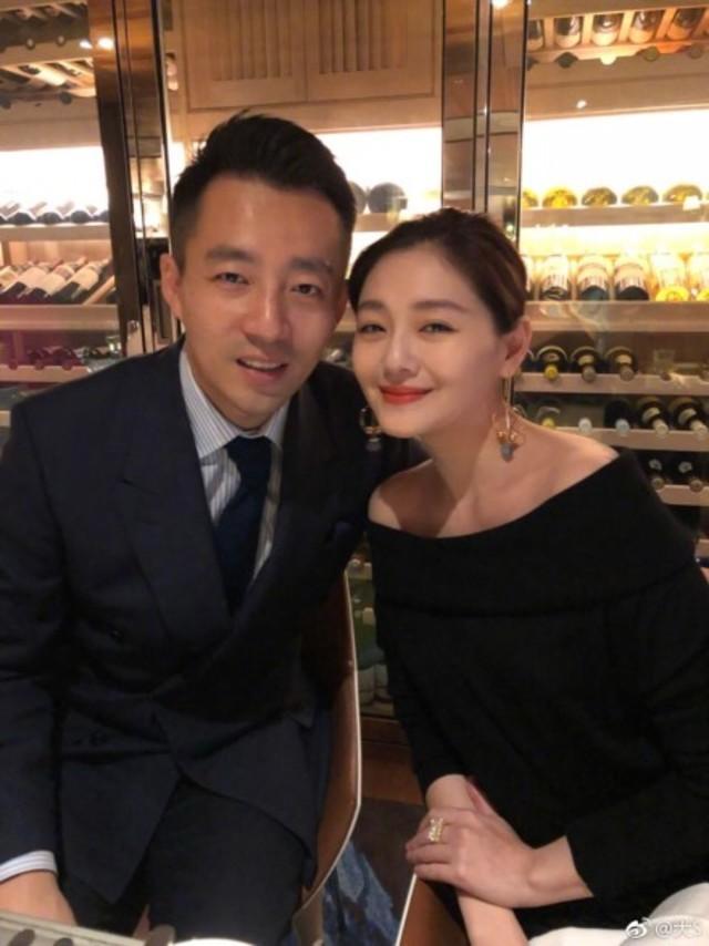 大S與汪小菲結婚超過10年仍甜蜜依舊。(資料照)
