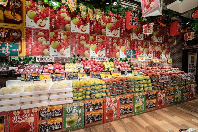 店鋪供應了多個蘋果品種供挑選。(業者提供)