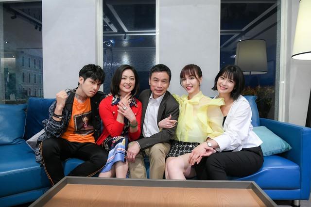 賴雅妍、魏蔓戲裡爭寵 戲外逼問李天柱:「你最愛誰?」  