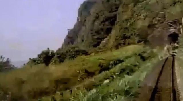 運安會日前公布太魯閣號行車紀錄器畫面,明顯看出呈現角度偏左半邊。(資料照片)