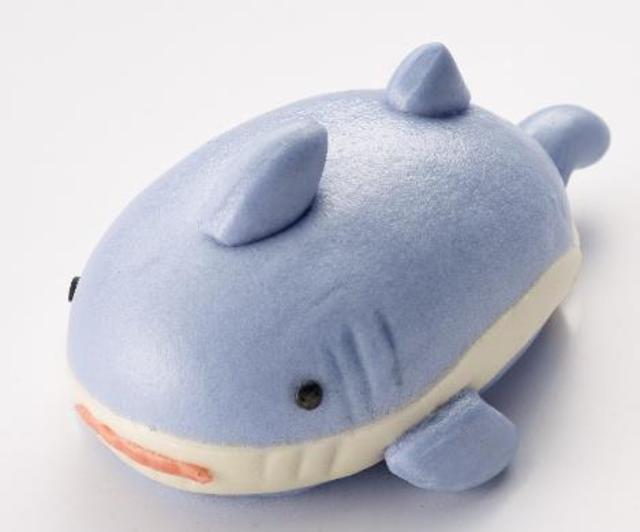 宜家家居(IKEA)內湖店獨家推出「鯊鯊包」。(翻攝自ikea官網)