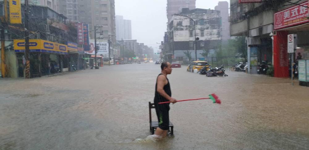 木柵路淹水 (北市府提供)
