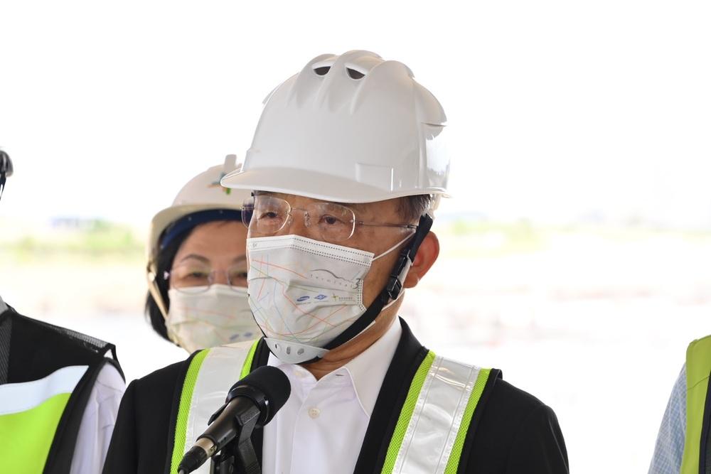 蘇貞昌今日視察桃園國際機場第三航站區主體航廈土建工程(行政院提供)