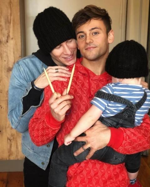 戴利與丈夫達斯汀和兒子(翻攝Tom Daley IG)
