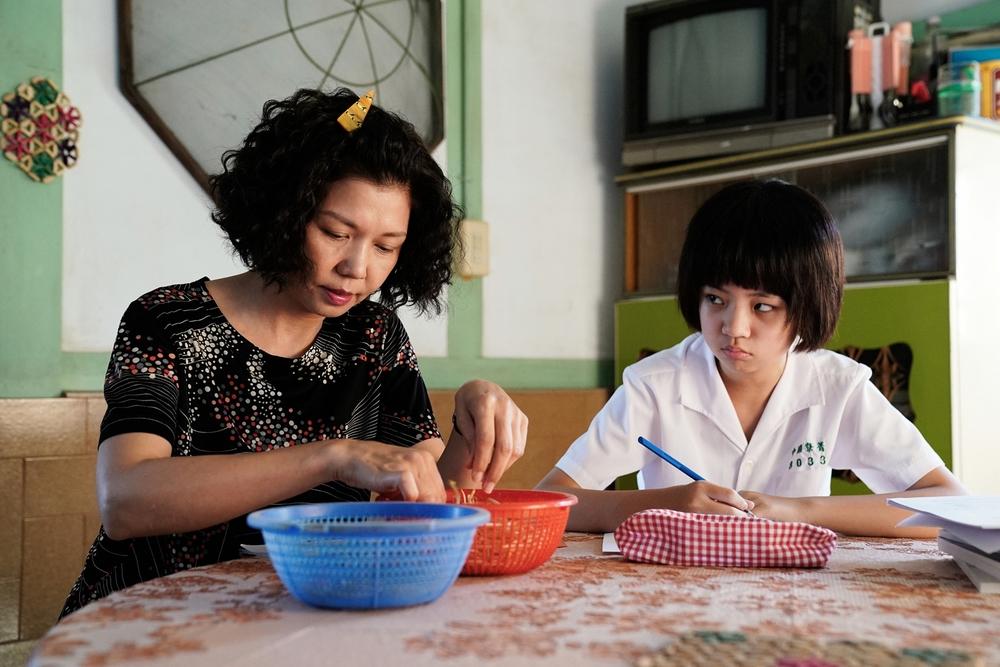 《俗女2》8月8日全球首播 陳家人線上團聚揪觀眾一起回歸 | 于子育和吳以涵在第二季有很多相愛相殺的戲碼