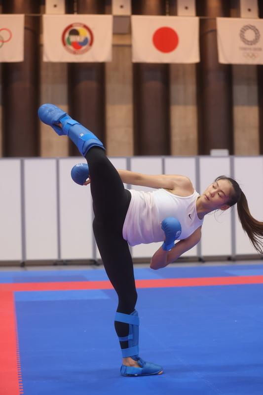 文姿云2日在日本東京 武道館備賽,加強練習。(中央社提供)